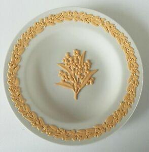 Wedgwood Yellow on White Jasperware Wattle Floral Miniature Plate Boxed
