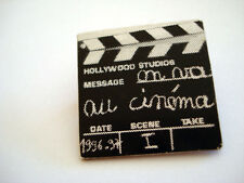 BADGE CINEMA CLIP CLAP ON VA AU CINEMA 1996-97 HOLLYWOOD STUDIO FILM