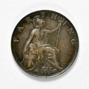 GB VICTORIA 'VEILED HEAD' FARTHING 1897 ++ SHARP GRADE!! ++ [826-27]