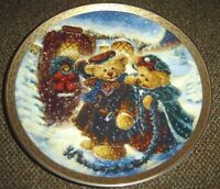 A Wreath of Love By Stewart Sherwood Bradford Exchange Porcelain Plate