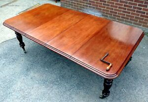 Big early Victorian antique solid Cuban mahogany extending dining table seats 12