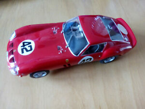 Scalextric Hornby Ferrari 250 GTO #42 rot
