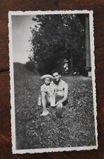 Photo famille Vintage snapshot 1947 Savoie Montagne Communaux homme pot à lait