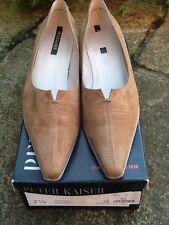 BNIB VINTAGE 1990s Peter Kaiser Suede Beige Low Heel Court Shoes UK 7.5 Cost £69