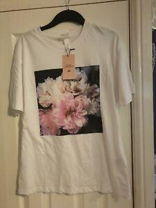 H And M Helen Christensen T Shirt Size S (10-12)