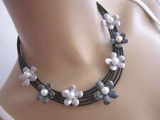 Modekette Collier Damen Hals Kette Leder Silber Grau Blumen Perle Aluminium