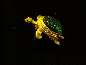 VINTAGE TORTIOSE  PIN /BROOCH GREEN STONE RHINESTONE GOLD PLATED