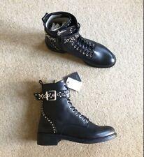 Zara Cuero Negro Tachonado Biker Botas al Tobillo Estilo Militar UK7 EU40 US9 # 619
