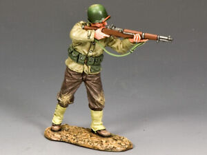 WWII US Infantryman Standing Firing Rifle King and Country DD184 - D-Day '44