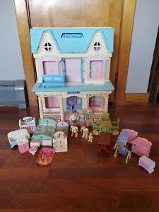 Vintage 1993 Fisher Price Loving Family 6364 Dream Folding Dollhouse W/Furniture