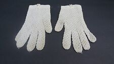 *VINTAGE DESIGNER LADIES OFF WHITE FISH NET STRETCH GLOVES UNLINED SIZE SMALL