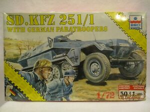 Esci SD.KFZ 251/1 with German Paratroopers 1/72 #8622 Complete SEALED kit