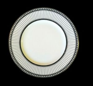 Beautiful Wedgwood Colonnade Black Dinner Plate
