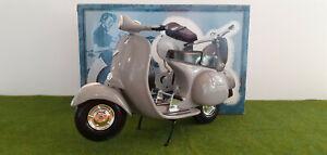 VESPA gris 1/6 métal XONEX édition limitée 5000 pcs moto miniature de collection