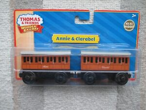 Thomas & Friends Wooden Railway Annie & Clarabel NIB 2010 WOW