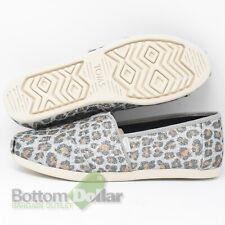 TOMS 10014953 Women's Classic Slip-On Shoes Silver Glitter Cheetah Print