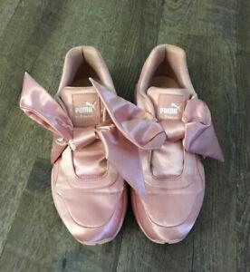 Size 7.5 - PUMA Fenty Bow Pink 2017