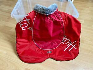 Wintermantel für Hunde von Hurtta in rot