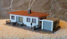 Pola    525    (Spur H0)    Bungalow mit Garage - fertig gebaut