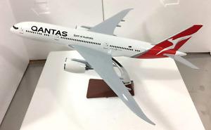Qantas Dreamliner 787 Large Plane Model New Logo Resin  Apx 43Cm 1:160