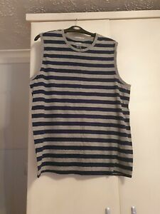 2 Mens tops size xl lightly worn