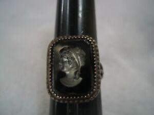 PRETTY retro intaglio CAMEO BLACK GLASS sterling ring, size 6-3/4