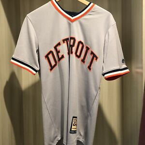 NWT DETROIT TIGERS COOPERSTOWN COLLECTION MAJESTIC JERSEY SIZE Small Grey