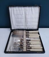 VINTAGE BOXED SILVER PLATED CUTLERY SET FISH KNIVES & FORKS WITH CREAMY HANDLES