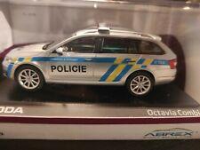 Skoda Octavia III Combi Tschechische Polizei   1:43 Abrex OVP (042)