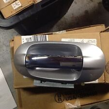 NEW OEM 2003 - 2007 LINCOLN NAVIGATOR LEFT FRONT OUTER DOOR HANDLE SILVER BIRCH