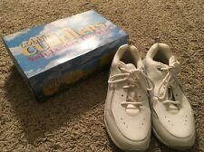 Womens Cobble Cuddles White Leather Oxford Shoes, Size 11W