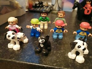9 LEGO DUPLO FIGURES  MUM DAD 4 KIDS CHILDREN CAT KITTEN AND 2 DOGS XMAS