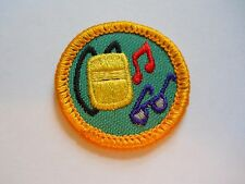 """1994-95 Girl Scout or Brownie Badge Glasses Musical Note Music Player Round 1.5"""""""