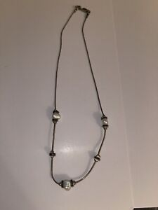 Jewelry Necklace in silver tone glass off white Pearly beads