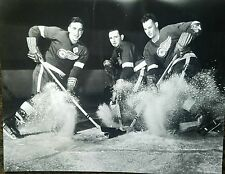 5 Production line  Gordie Howe S Abel Ted Lindsay 16x20 Detroit Red Wings photos