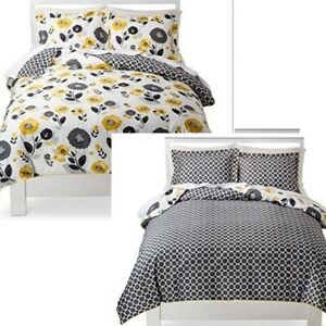 Room Essentials REVERSIBLE Twin Size Textured Floral Duvet Set NEW Yellow Black