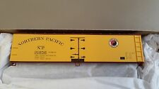 Accurail HO Model Train Kit #4809 - 40' Wood Reefer - NP Northern Pacific - New