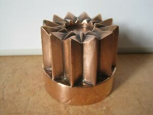 ANTIQUE VICTORIAN COPPER JELLY MOULD WITH 12 POINT STAR TOP & TINNED INTERIOR