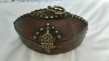 UNUSUAL OLD ETHNIC WOODEN BOX