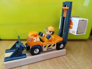 BRIO Forklift Truck for all Wooden Train Track + Magnetic Track End