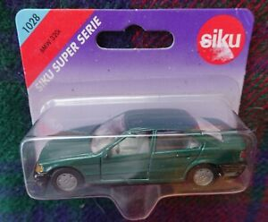 SIKU 1028  1/55 green E36 BMW 320i  (MIB)