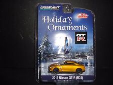 Greenlight Nissan GT-R R35 2015 Gold HOLIDAY ORNAMENTS 1/64 CHASE LTD 200 PCS