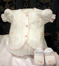 Will'beth Newborn Baby Girl Delicate Embroidered Outfit/Diaper Set Shoes NWT