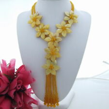FC090409 18'' Yellow Jade Shell Flower Statement Necklace
