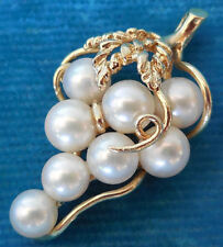 14K Solid Gold Graduated Pearl Grape Cluster Etched Detailed Pendant