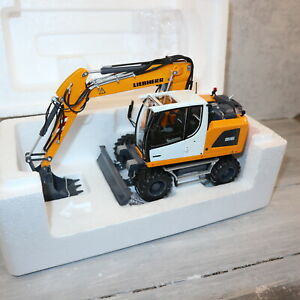 AT Collections 3200140 in 1:32  LIEBHERR A916 4WD Radbagger in gelb mit