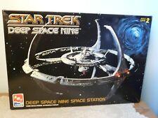 AMT ERTL Star Trek Deep Space Nine Space Station #8778  Model Kit 1/2500 Scale