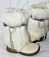 BEARPAW KOLA II WHITE GOAT FUR AND FEATHERS W/SHEEPSKIN LINING SZ 6