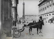 PHOTO PRESSE TRAMPUS  PARIS 1943 + Une élégante et sa voiture tirée par un PONEY