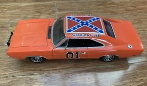 General Lee Dukes Of Hazzard 1969 Dodge Charger 1:18 Scale Die cast Car ERTL